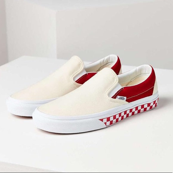 a872f9a952 UO x VANS COLLAB Red Colorblocked Slip-on 9. M 5a711d5fa4c485d026c38b05